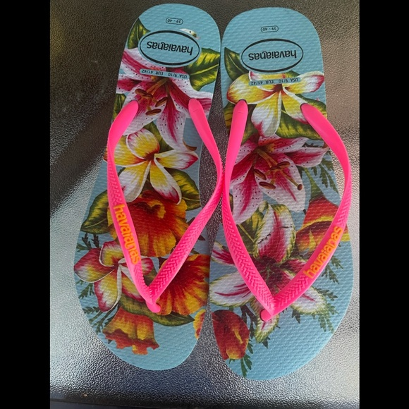 Havaianas Flip Flops pre owned  Size 9-10